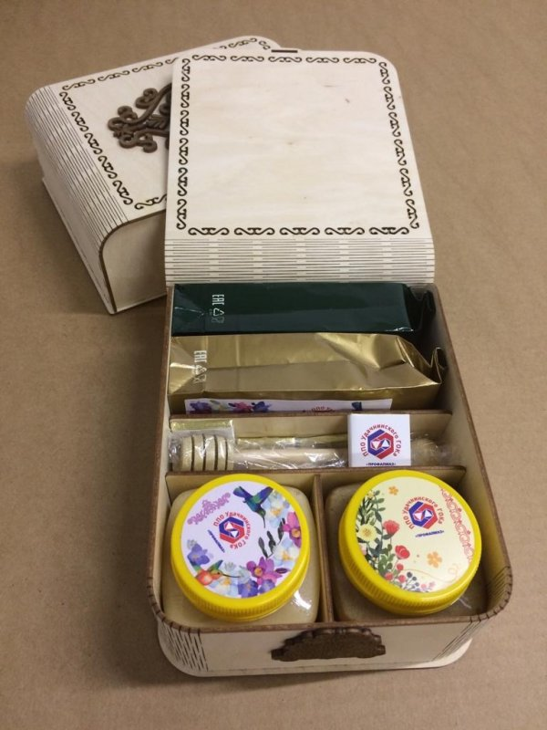 Корпоративный подарочный чайный набор с мёдом